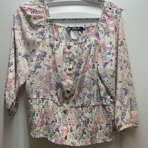 NWOT B Flawless floral blouse